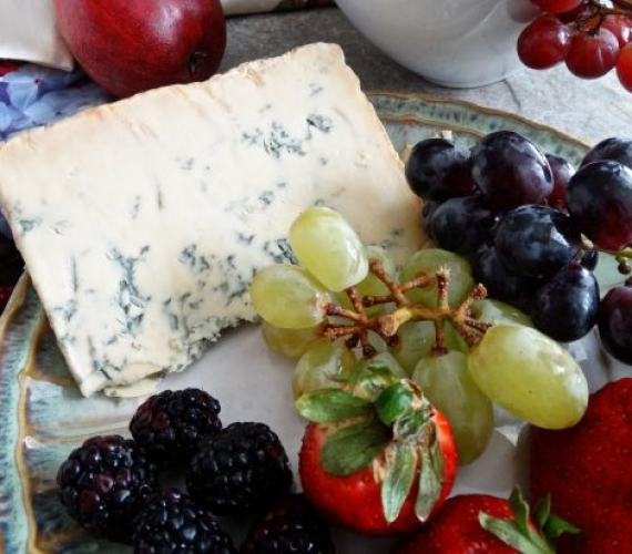 What makes the perfect Christmas cheeseboard?