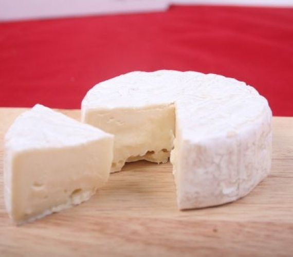 Why are certain cheeses illegal in the USA?